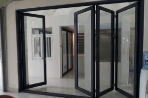 Các loại cửa nhôm kính và cách phân loại nhôm