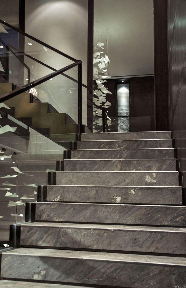 Mẫu cầu thang đá marble