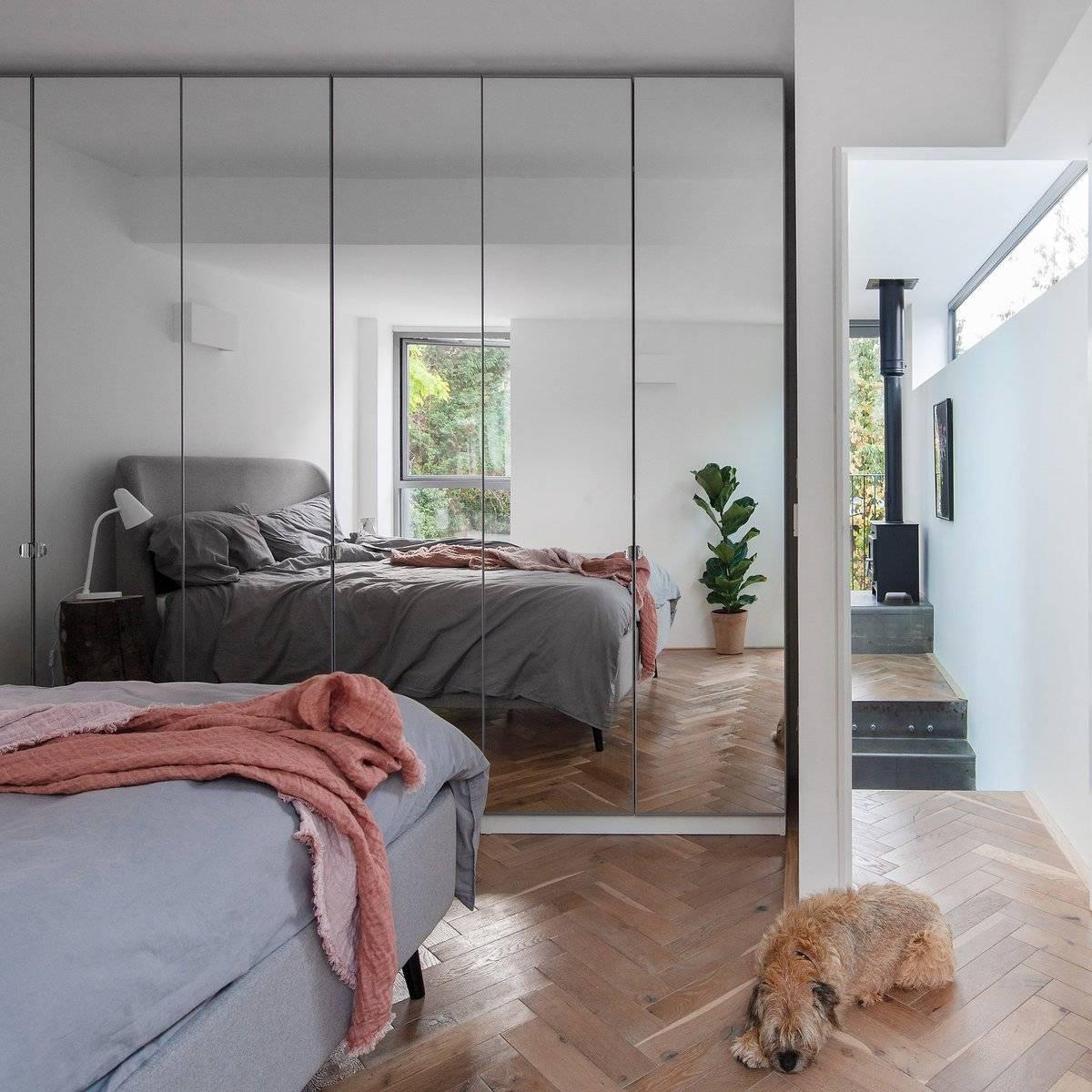 Gương to trong phòng ngủ thực sự không cần thiết, dễ gây giật mình nửa đêm