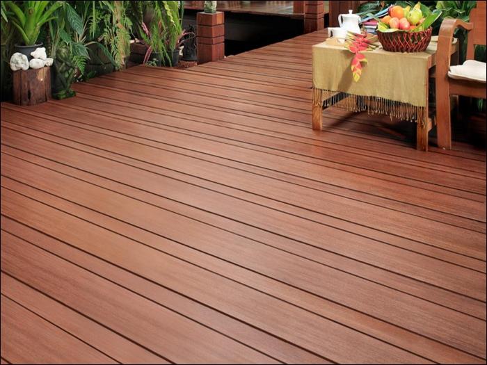 Ứng dụng làm sàn nhựa gỗ cả trong nhà và ngoài trời