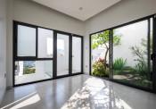 Cửa nhôm kính cao cấp Premier Door với xu hướng kiến trúc hiện đại