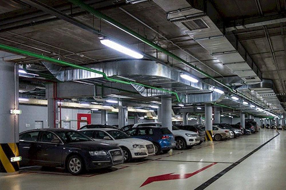 Hà Nội đang thiếu những bãi gửi xe cho người dân. Ảnh: Linh Đan