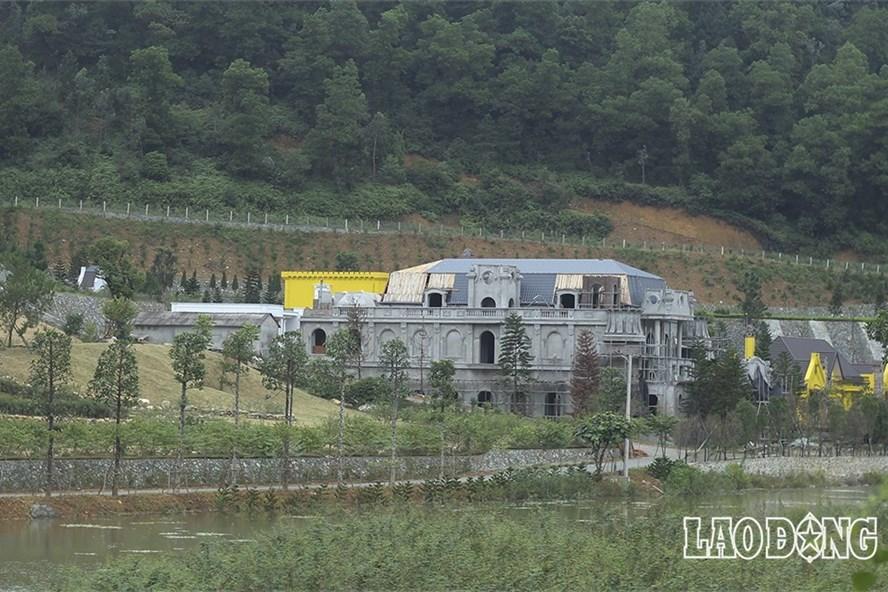 Công trình vi phạm trật tự xây dựng tại huyện Sóc Sơn, Hà Nội. Ảnh: T.Vương