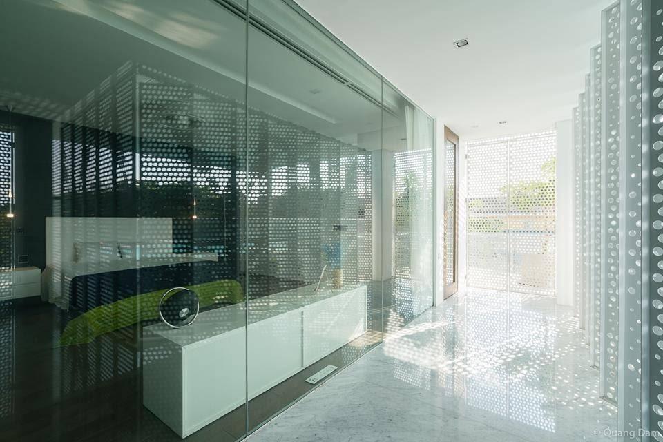 Phòng ngủ vách kính mang phong cách phóng khoáng