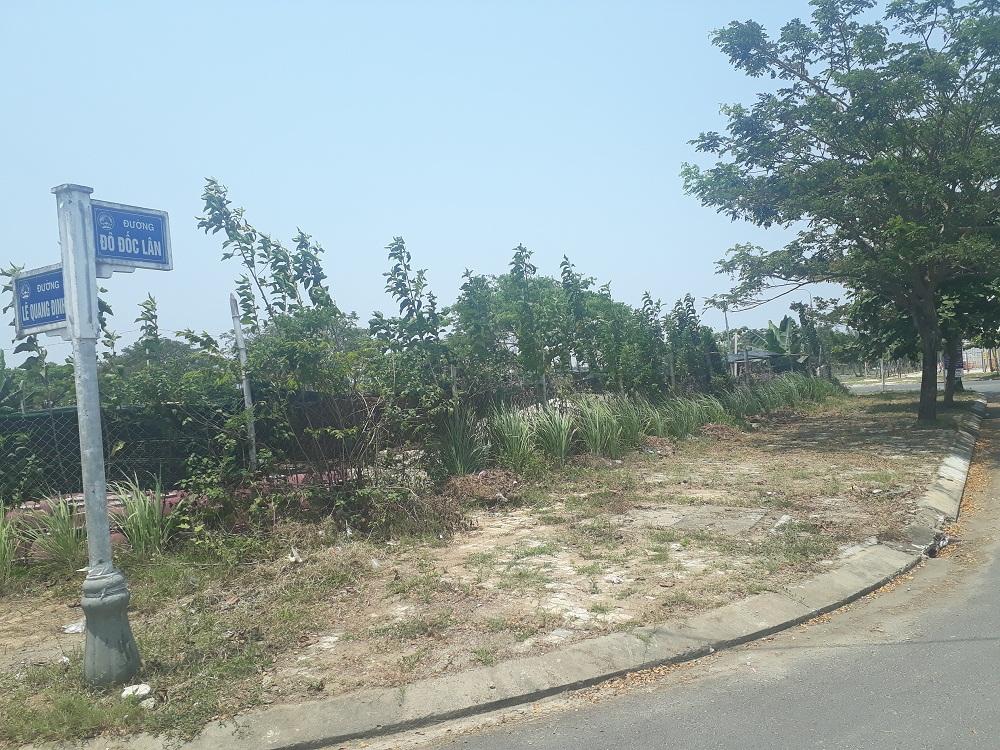 Khu đất Đô Đốc Lộc, nơi bà Nguyễn Thị Bích Thuận - Tổng giám đốc Công ty Cổ phần đầu tư và phát triển Quảng Đà vẽ dự án để lừa đảo, chiếm đoạt tài sản