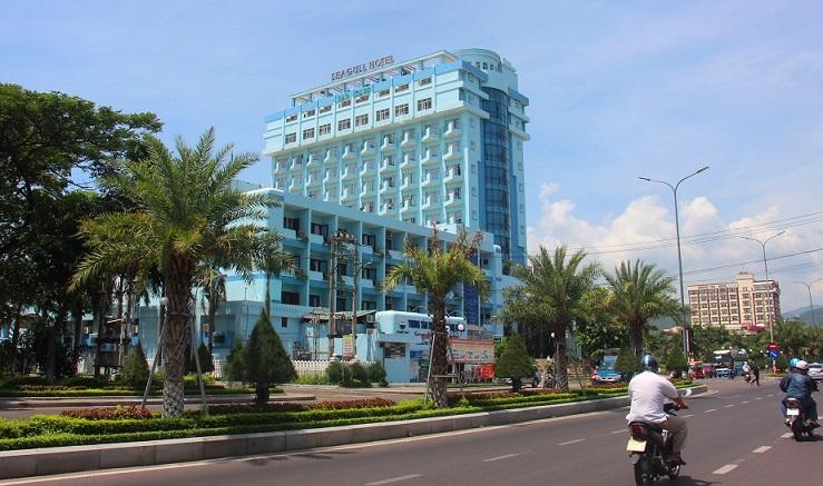 Khu vực ba khách sạn ven biển mà tỉnh Bình Định dự kiến sẽ di dời theo lộ trình để dành không gian cho cộng đồng