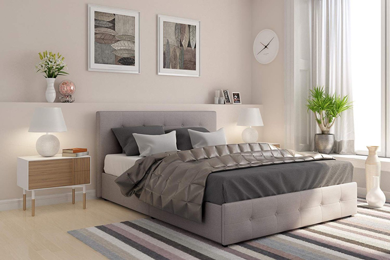 Với 4 ngăn kéo giấu bên dưới, vải bọc nệm đẹp, đây sẽ là chiếc giường vừa đáp ứng được yếu tố tiện nghi vừa có tính thẩm mỹ cao