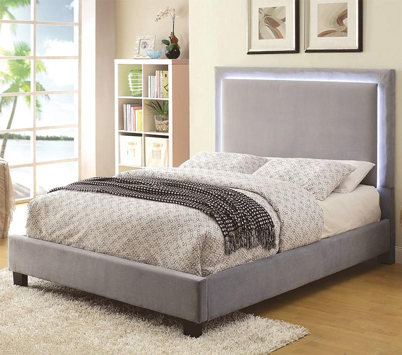 Đèn gắn đầu giường tăng thêm thẩm mỹ cho phòng ngủ