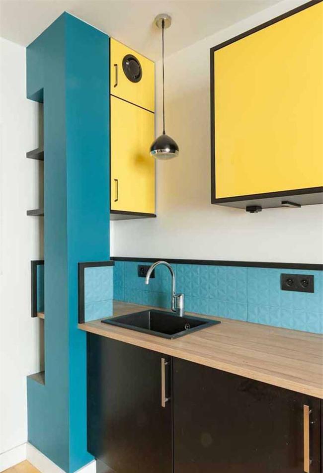 Thực tế, sử dụng màu sắc trang trí là một cách vô cùng hữu dụng khi bạn dùng để cải tạo không gian phòng bếp