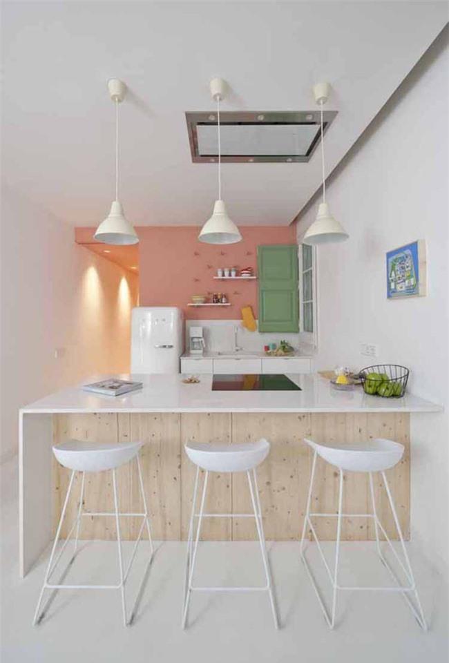 Là một lựa chọn tiết kiệm và dễ thực hiện, nên bạn có thể dùng màu sắc vào việc thay đổi diện mạo của căn bếp mọi lúc thích hợp
