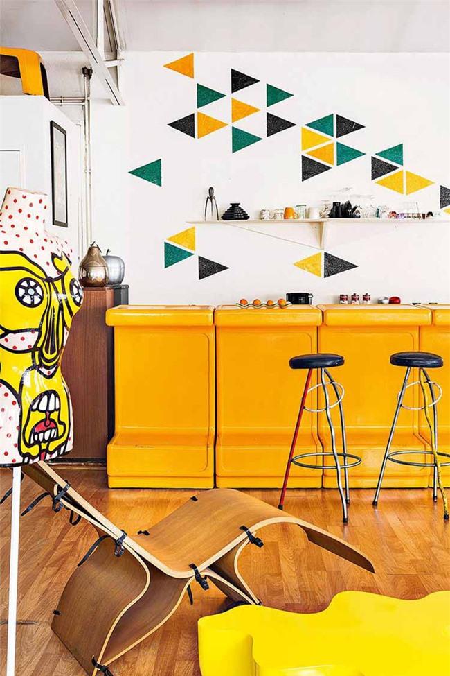Đừng quên luôn ưu tiên lựa chọn những gam màu sắc hay họa tiết mà bạn hay mọi thành viên gia đình đều yêu thích cho căn bếp