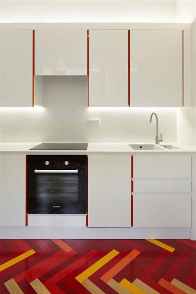 Bạn hoàn toàn có thể tự mình trang trí cho căn bếp gia đình thêm màu sắc để trông nổi bật hơn
