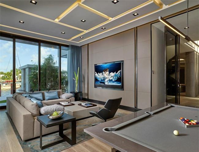 Việc lựa chọn đồ nội thất phòng khách phụ thuộc rất nhiều vào kích thước của căn phòng.