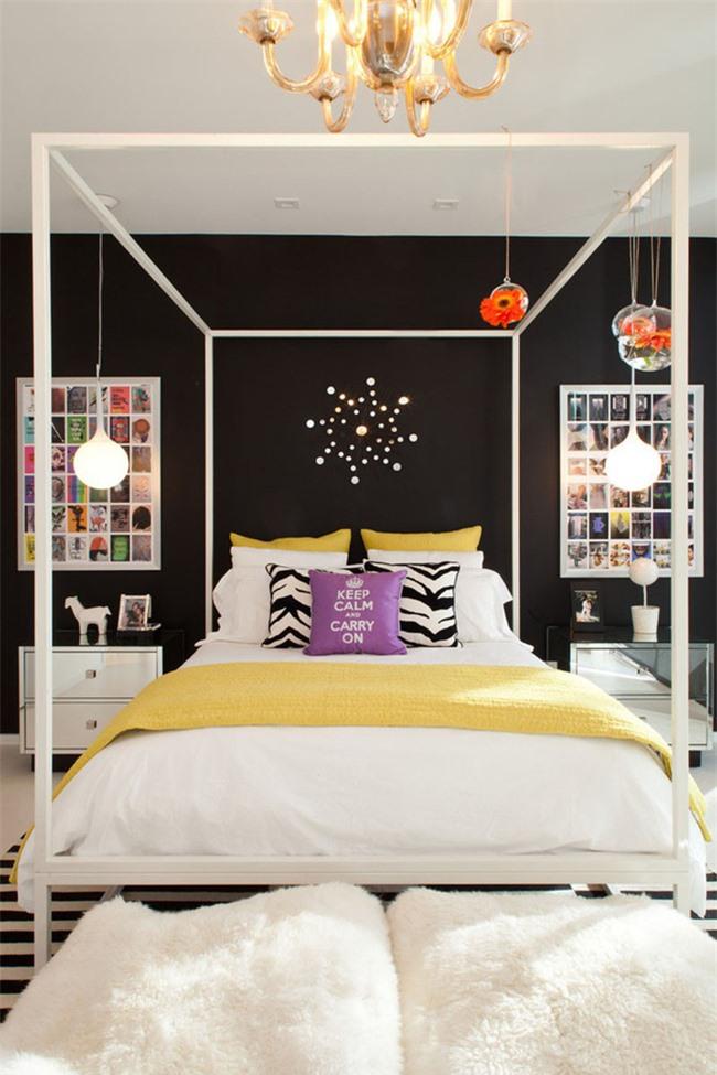 Bạn có thể thấy kiểu đèn thả này rất thích hợp để kết hợp với kiểu giường ngủ canopy