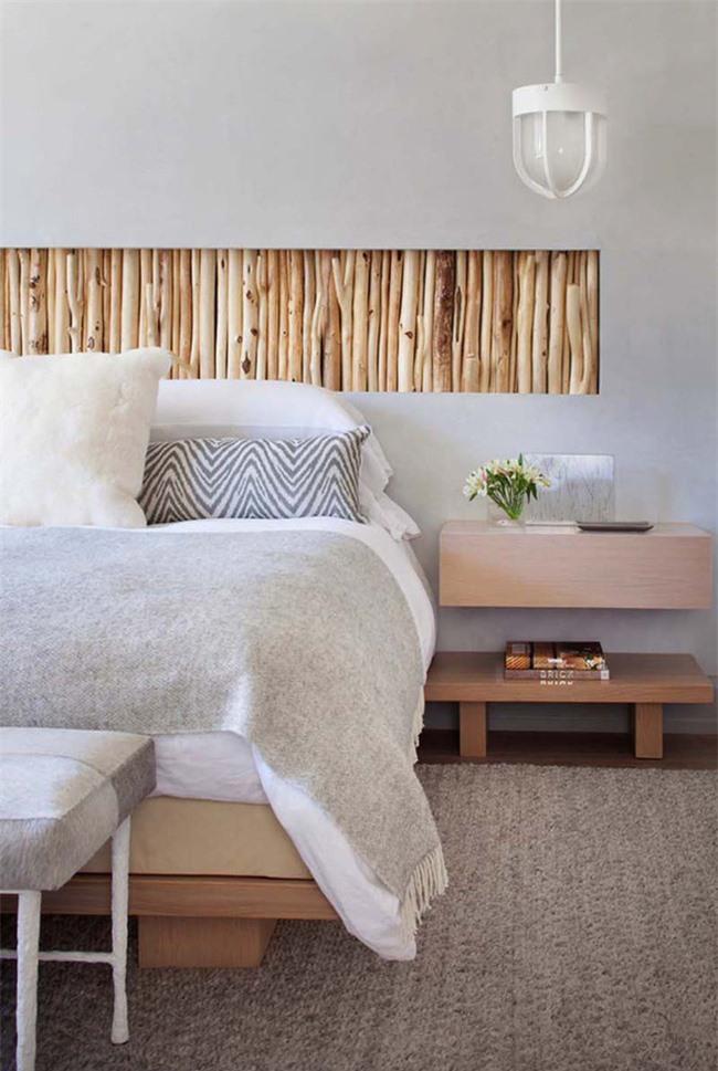Để phù hợp với không gian phòng gian phòng ngủ bạn nên chọn những mẫu đèn thả có ánh sáng vàng