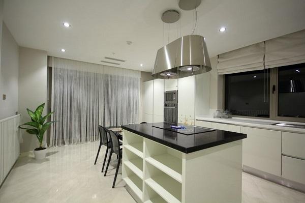 Gạch porcelain là một loại gạch phổ biến cho nhà bếp