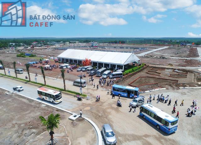 """Theo các chuyên gia, BĐS liền thổ vẫn được giới đầu tư ưa chuộng và trở thành """"thói quen"""" đầu tư lâu đời của đa số người Việt hiện nay. Đây chính là lợi thế cho các doanh nghiệp Tp.HCM có cơ hội tấn công thị trường tỉnh"""