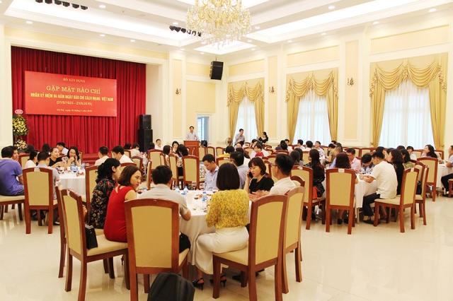Cuộc gặp mặt báo chí của Bộ Xây dựng đã thu hút sự tham dự của nhiều phóng viên, nhà báo theo dõi ngành Xây dựng