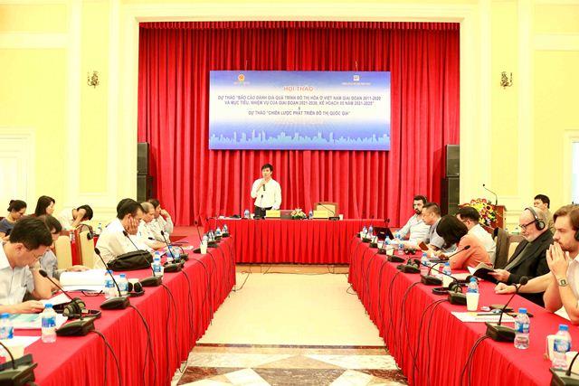 Cục trưởng Cục Phát triển Đô thị Nguyễn Tường Văn phát biểu tổng kết và tiếp thu ý kiến tại Hội thảo
