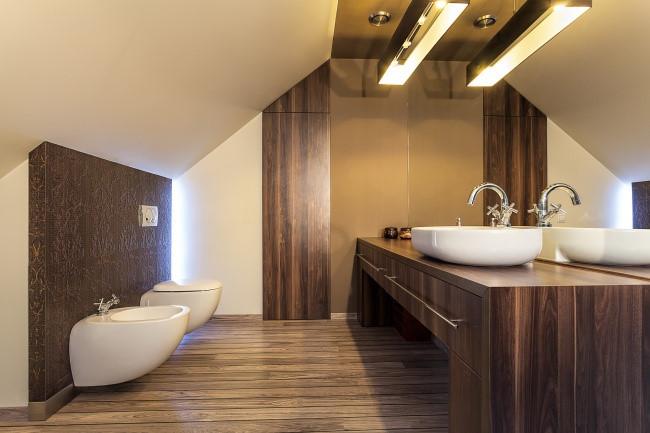 Ngày nay có rất nhiều cách để trang trí phòng tắm, vì vậy bạn có thể nói không với gạch ốp thông thường. Thay vào đó là đá, bê tông hay thậm chí cả gỗ.