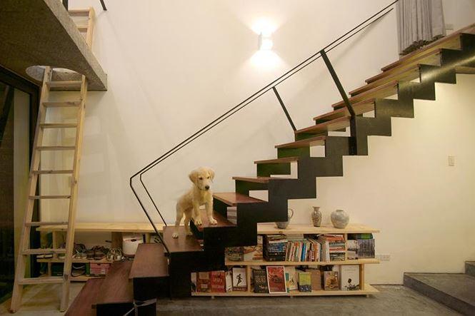 Không gian dưới cầu thang ngăn nắp