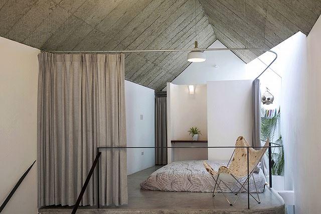 Phòng ngủ với giường thấp