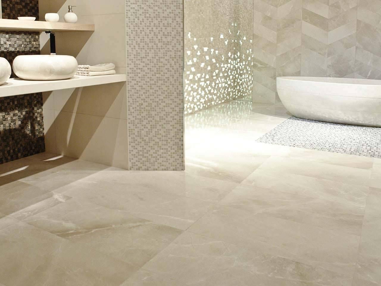 Chỉ với một chút xà phòng lỏng nhẹ nhàng, vải mềm và nước là tất cả những gì bạn cần để nền đá cẩm thạch trong nhà tắm luôn bóng đẹp trong vài thập kỷ rồi