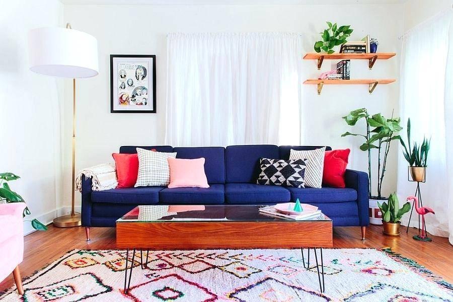 Những chiếc gối màu sắc giúp căn phòng trở nên sinh động hơn