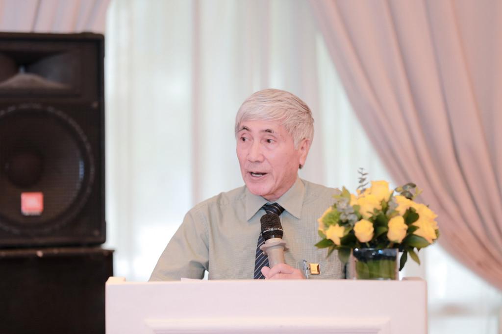 KTS Phạm Thanh Tùng - Ủy viên ban thường vụ, chánh văn phòng hội, trưởng ban hội viên Hội Kiến trúc sư Việt Nam đọc quyết định thành lập Chi hội Kiến trúc - Nội Thất