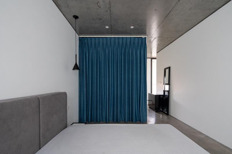 Nhờ thế, dù nhà ống nhưng các phòng không hề bị cảm giác bí.