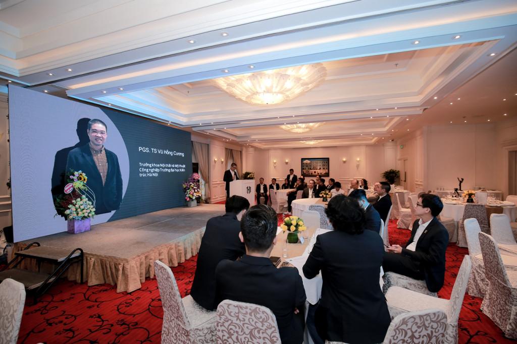 PGS.TS Vũ Hồng Cương - Chủ tịch chi hội Kiến trúc Nội thất Việt Nam phát biểu tại buổi lễ