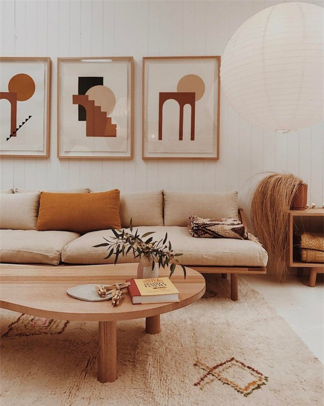 Một bảng màu tương tự với gam trung tính, mù tạt và màu nâu cho phòng khách cảm giác vintage hiện đại