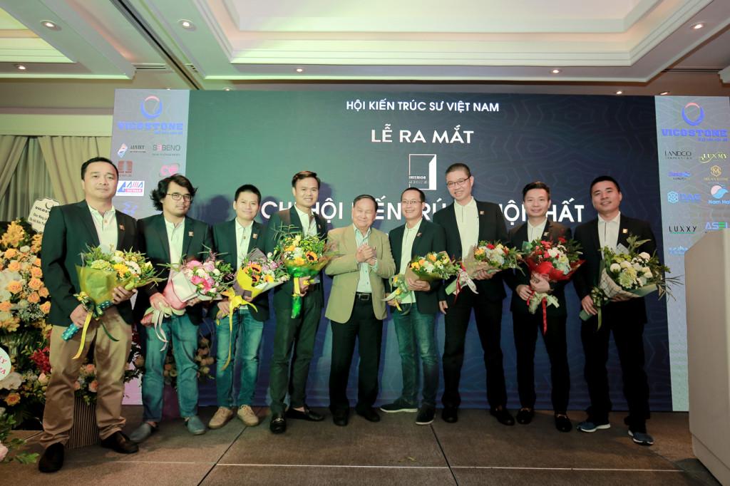 4. Các thành viên Ban chấp hành Chi hội Kiến trúc - Nội thất thuộc Hội kiến trúc sư Việt Nam