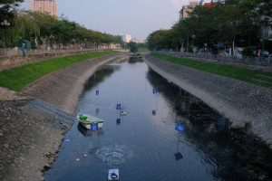 Hà Nội: Cống hoá sông Tô Lịch là sai lầm?