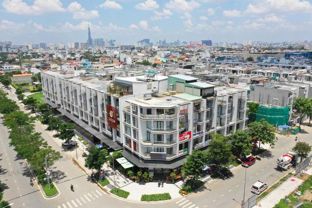 Thị trường nhà phố, biệt thự tiếp tục khan hiếm nguồn cung, giá biến động tăng mạnh