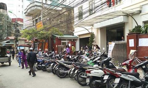 Hà Nội vận động dân làm bãi gửi xe
