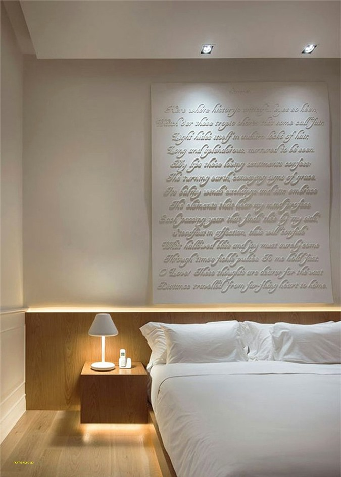 Đa phần mọi người đều lựa chọn đèn led ánh sáng vàng để vừa không lóa mắt, vừa đem lại cảm giác ấm cúng hơn cho không gian nghỉ ngơi riêng tư này