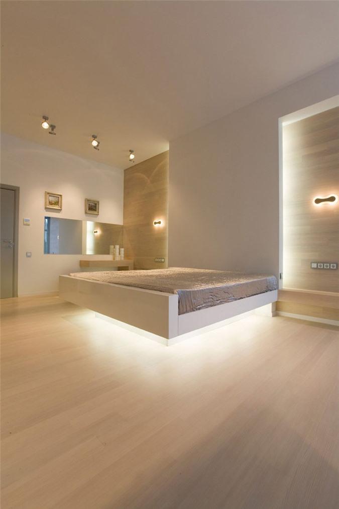 Bạn sẽ có cảm giác như chiếc giường chính giữa căn phòng đang phát sáng vậy