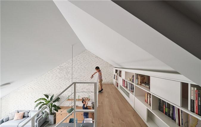 Giá sách tầng lửng giúp sử dụng không gian dễ dàng