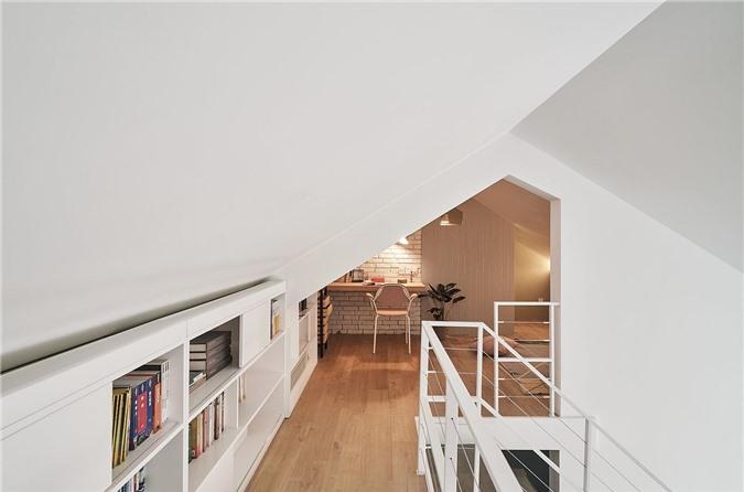 Trần nhà nghiêng cho phép các kiến trúc sư thử nghiệm thiết kế tầng lửng
