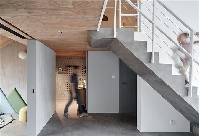 Cầu thang và sàn nhà mang đến sự quyến rũ cho nội thất