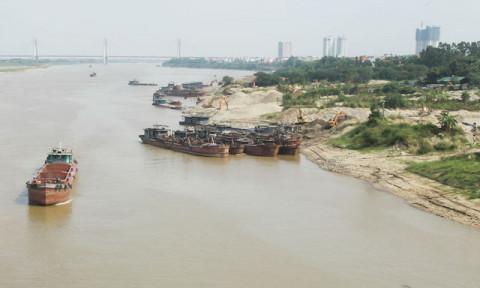 Hà Nội: 153 bãi tập kết, trung chuyển vật liệu xây dựng ven sông hoạt động trái phép