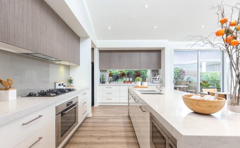 Sơn trắng cũng là cách đơn giản giúp ngôi nhà trở nên sáng sủa, dễ chịu.