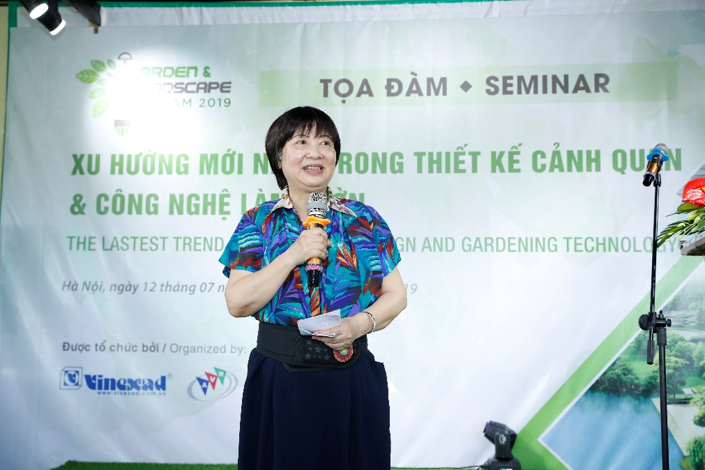 Chủ tịch Hiệp hội bán lẻ Việt Nam bà Đinh Thị Mỹ Loan