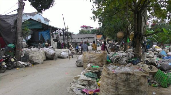 Ô nhiễm làng nghề vẫn là vấn đề nổi cộm của môi trường Hà Nội. Ảnh minh họa