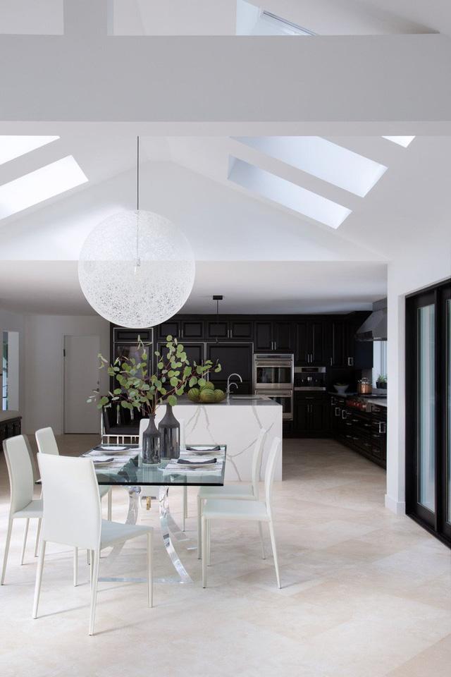 Mẫu đèn hình cầu cỡ lớn đặc biệt thích hợp với những không gian sống mang phong cách hiện đại