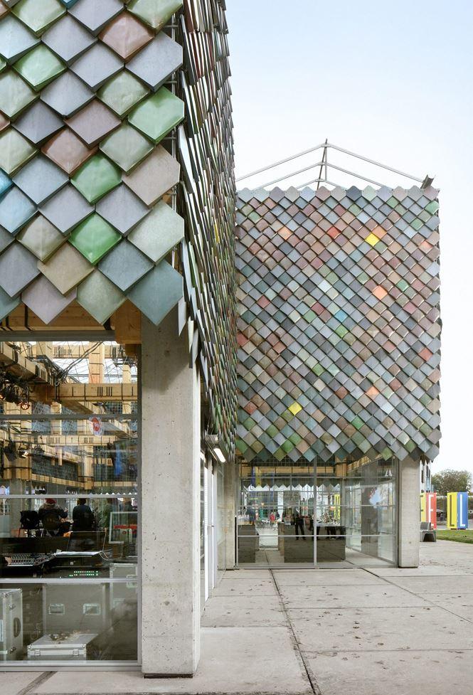 Hiện tại, SLA và Overtreders W đã xây được 4 công trình toàn bằng vật liệu tái chế.