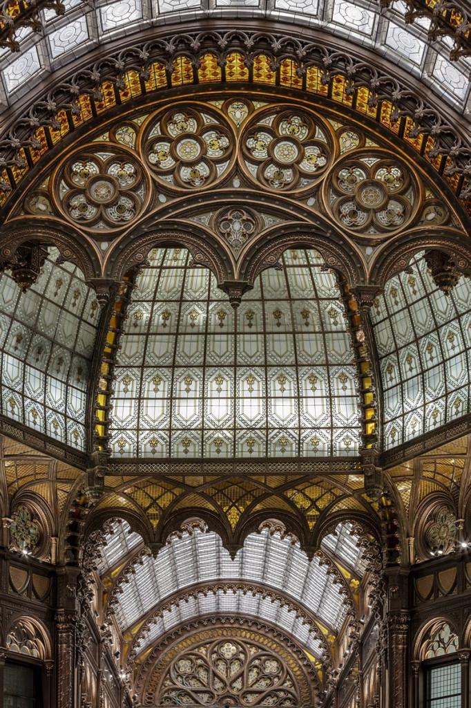 Trong 3 năm qua, một dự án cải tạo Paris Court đã được thực hiện...