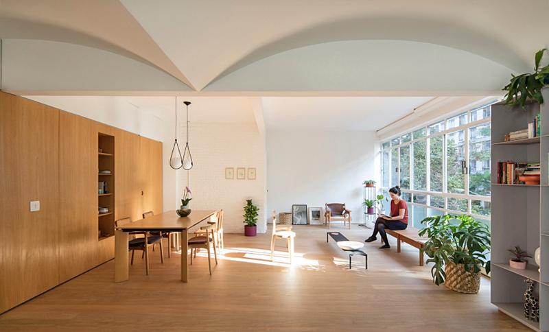 Sàn nhà lát gỗ tạo sự liên tục trong kiến trúc
