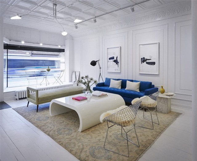 Lời khuyên đầu tiên dành cho bạn trước khi bắt tay vào trang trí căn phòng khách đó chính là ưu tiên lựa chọn gam màu mà bạn hay các thành viên trong gia đình yêu thích nhất.
